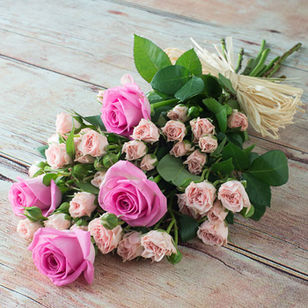 Gorgeous Pink Mixed Roses